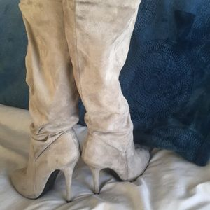 Shoes - Women's gray suede Knee-high boots